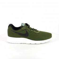 zapatillas deportivas NIKE tanjun verdes