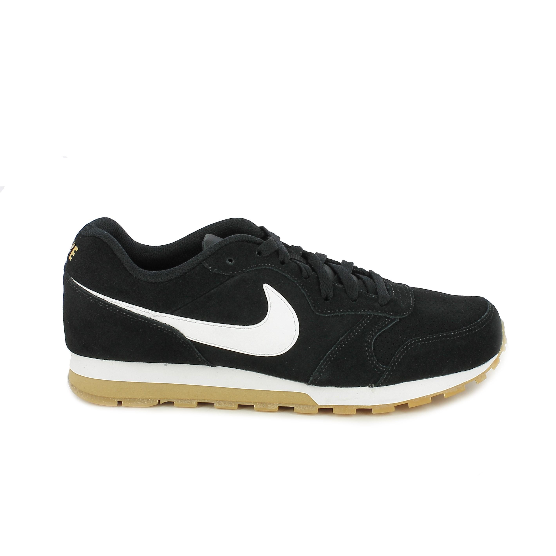 zapatillas deportivas NIKE md runner 2 negras con suela marrón