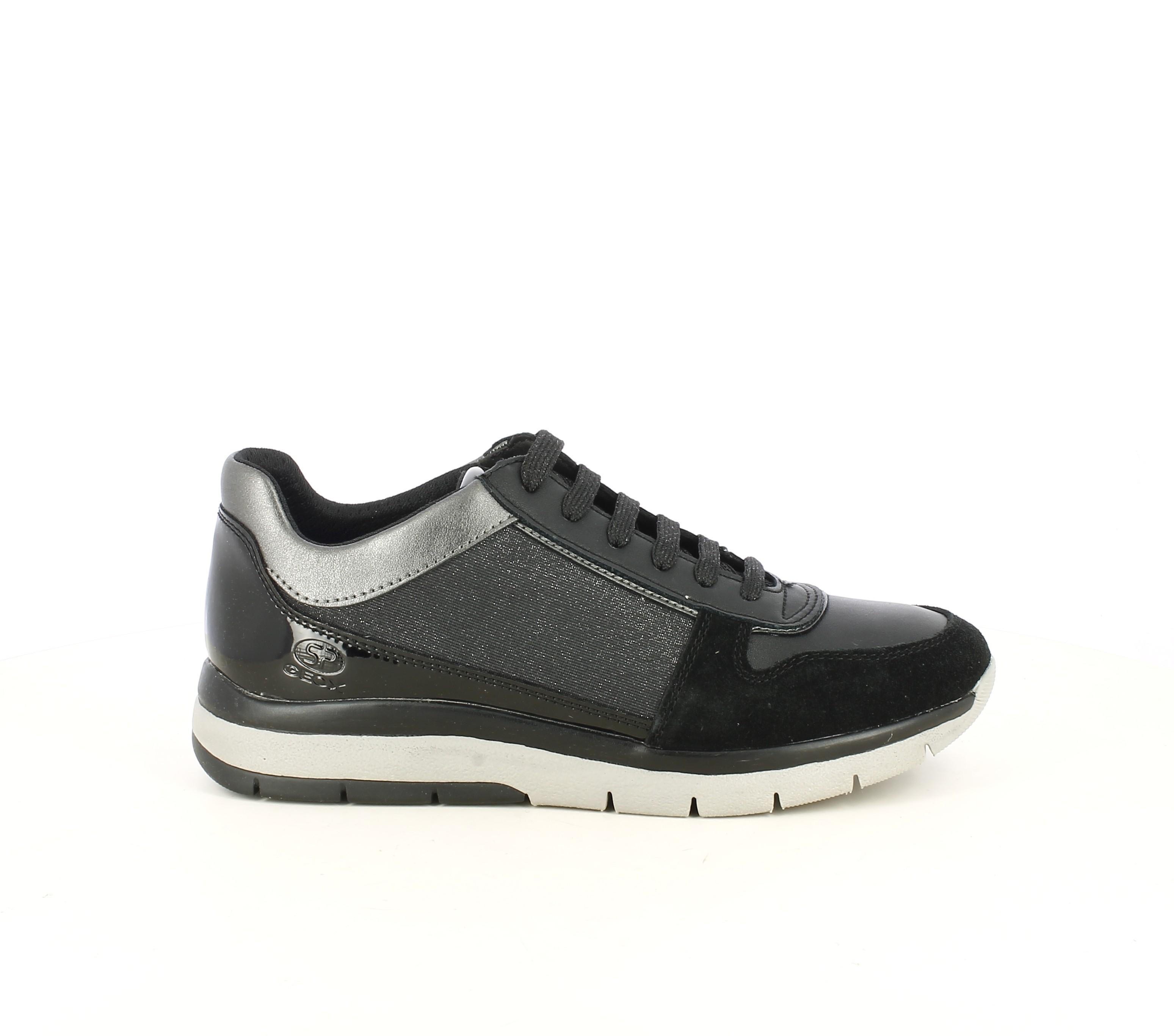 analogía el plastico rechazo  Zapatillas deportivas negras con detalles en charol y tonos brillantes Geox  | Querol online