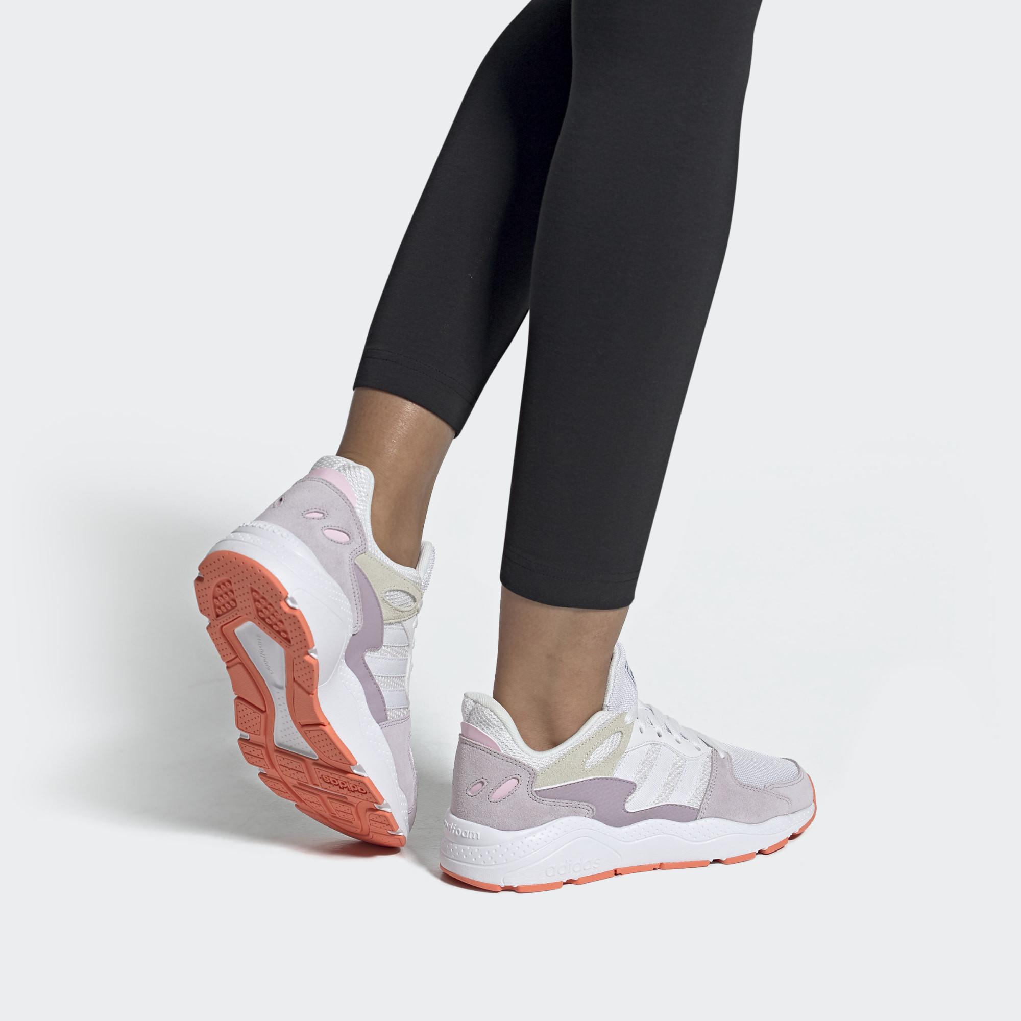 Envío Solicitante Skalk  Zapatillas deportivas chaos blancas y moradas Adidas | Querol online