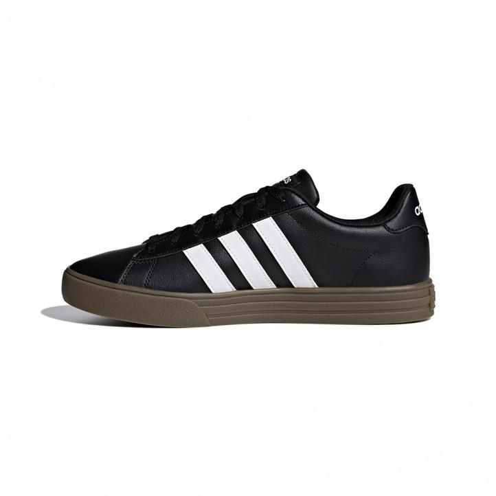 Médico facultativo Mandíbula de la muerte  Zapatillas deportivas negras con bandas en blanco suela de goma marrón  Adidas | Querol online