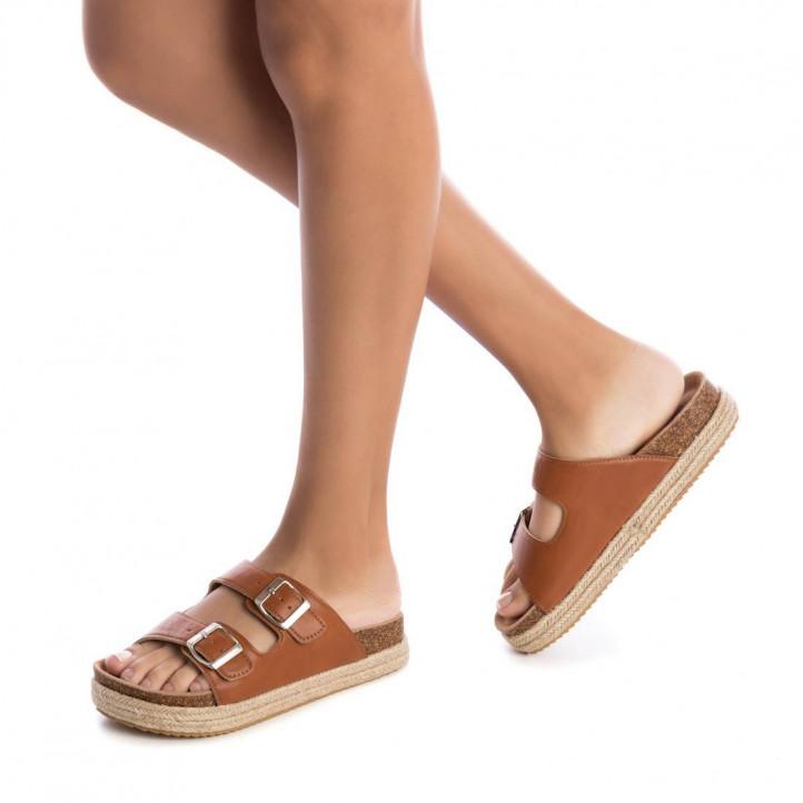 Sandàlies plataformes Xti marrons obertes amb doble tira i sivella - Querol online