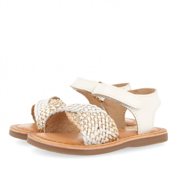 sandalias Gioseppo blancas de piel para niña con pala trenzada devanlay - Querol online