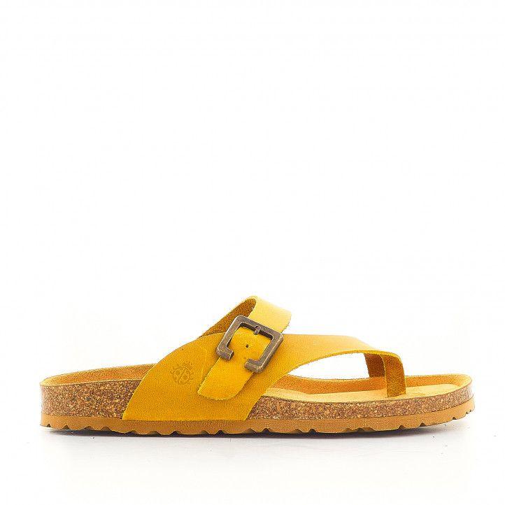 Sandàlies planes Yokono amb sivella gran color mostassa - Querol online