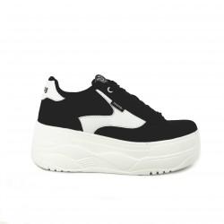zapatillas deportivas Mustang negras y blancas con plataforma - Querol online