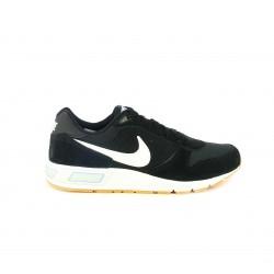 zapatillas deportivas NIKE nightgazer negras y blancas - Querol online