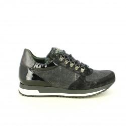 zapatillas deportivas FLUCHOS negras con pelo y charol - Querol online