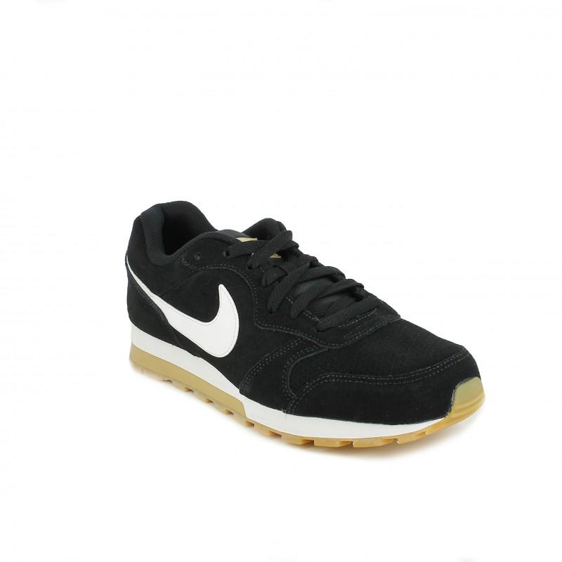 0a149c120f ... zapatillas deportivas NIKE md runner 2 negras con suela marrón - Querol  online ...