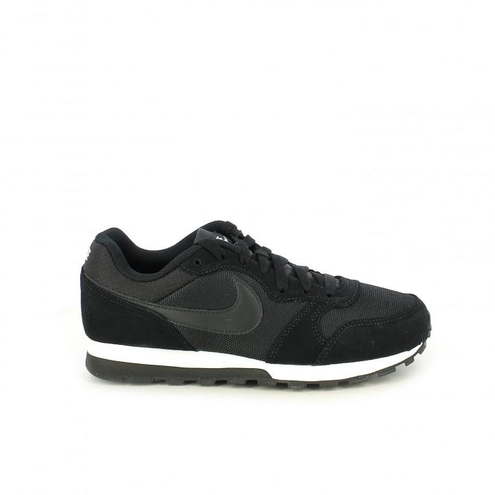6c55900b93d Zapatillas deportivas Nike md runner 2 negras con cordones - Querol online  ...
