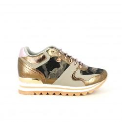 Zapatillas deportivas Gioseppo con plataforma de estampado camuflaje y tonos rosas - Querol online