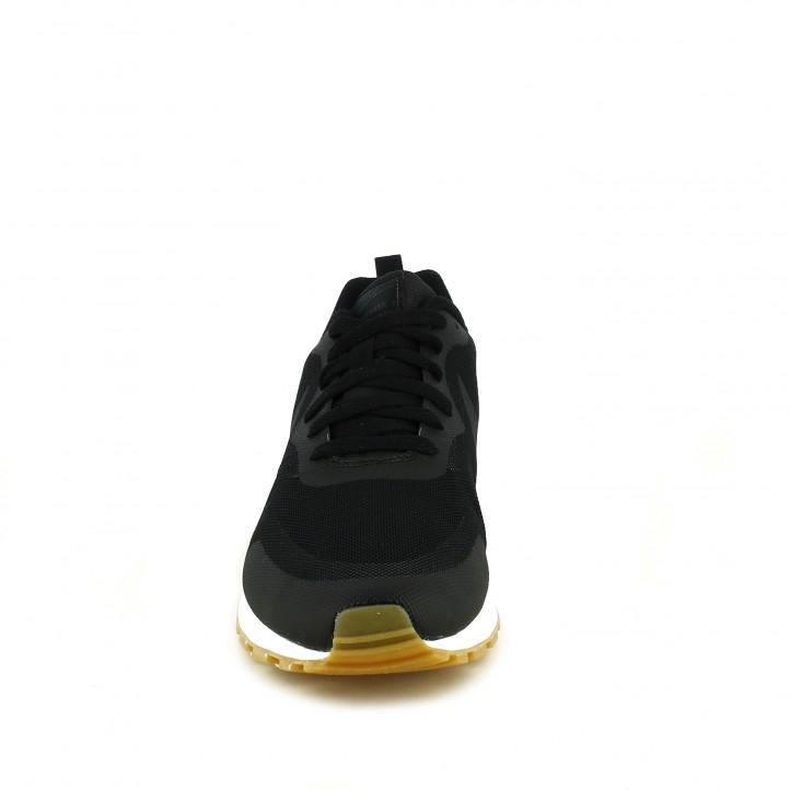 Zapatillas deportivas Nike md runner 2 negras con suela blanca