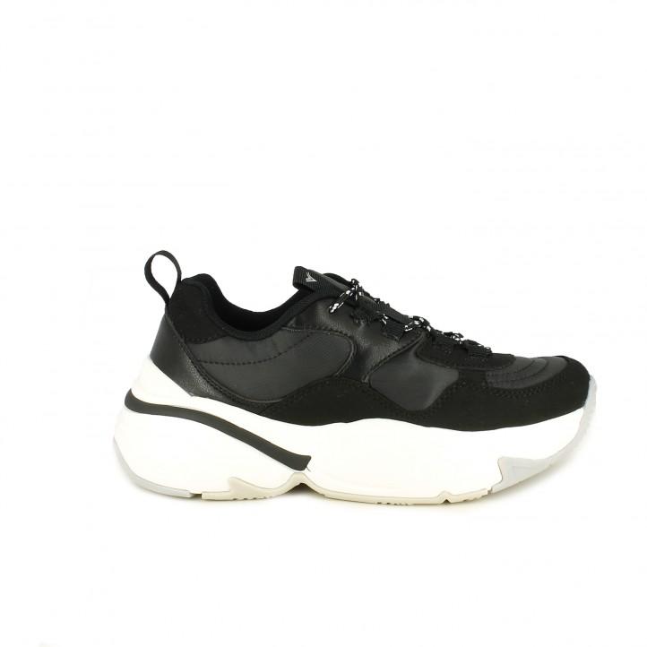 28c48dd0f19 Zapatillas deportivas Victoria negras con suela blanca de plataforma -  Querol online ...