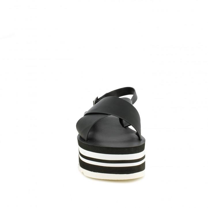 Cuñas Owel negras, con hebilla y plataforma de rayas - Querol online