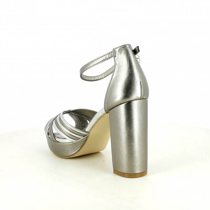 Sandàlies taló Xti grises metal·litzades amb tires creuades - Querol online