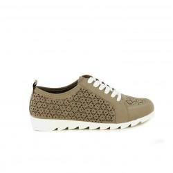 Zapatos planos Amarpies taupe con orificios y cordones blancos - Querol online