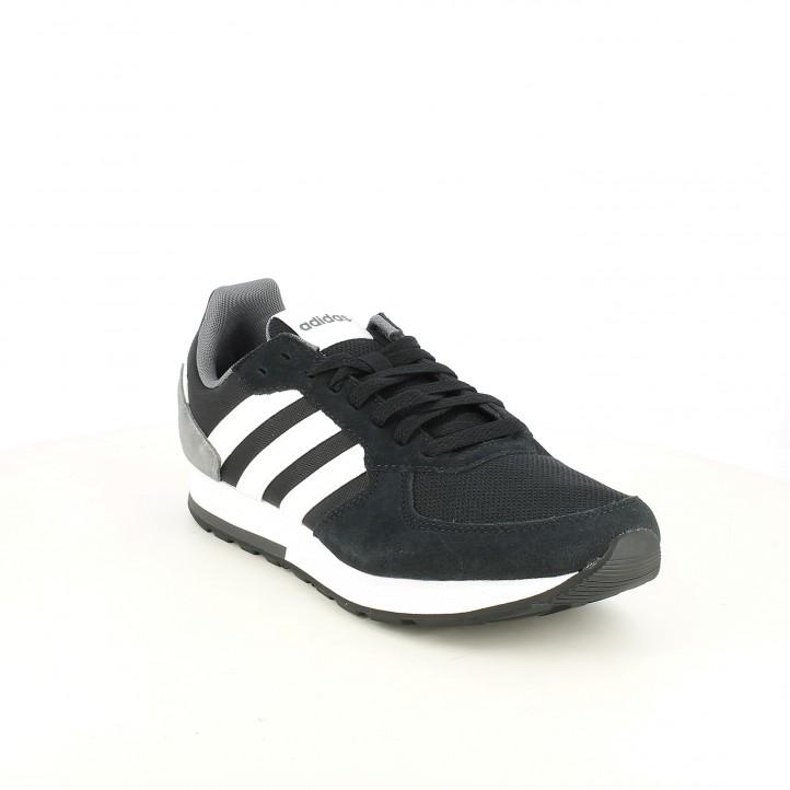 Zapatillas deportivas Adidas 8k negras de cordones con franjas blancas - Querol online