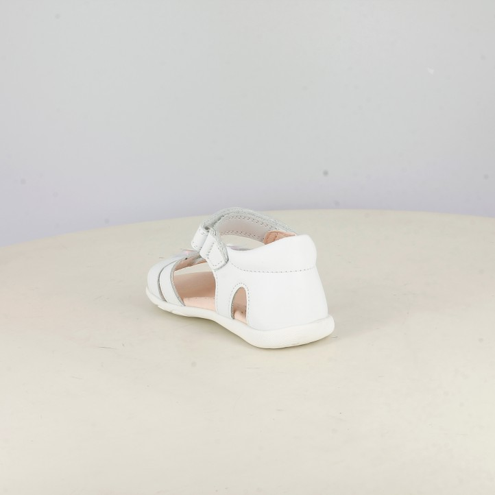 sandàlies Pablosky blanques amb velcros i flors a la puntera - Querol online