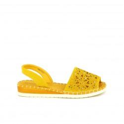 Abarcas Amarpies amarillas con cuña, flores y brillantes - Querol online