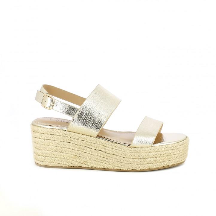 Cuñas Owel doradas metalizadas con tiras, hebilla y plataforma de esparto - Querol online