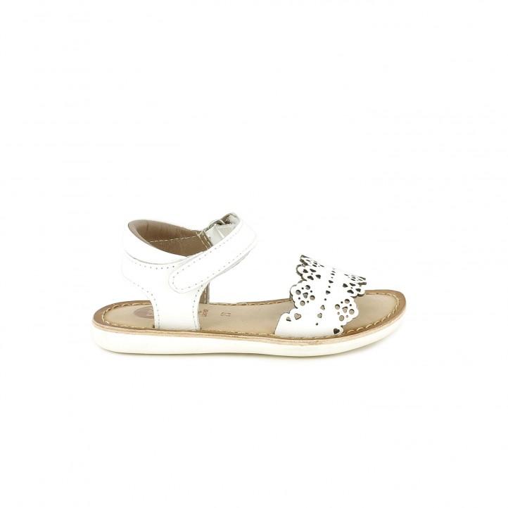 sandalias Gioseppo de piel blancas con velcro en el tobillo - Querol online