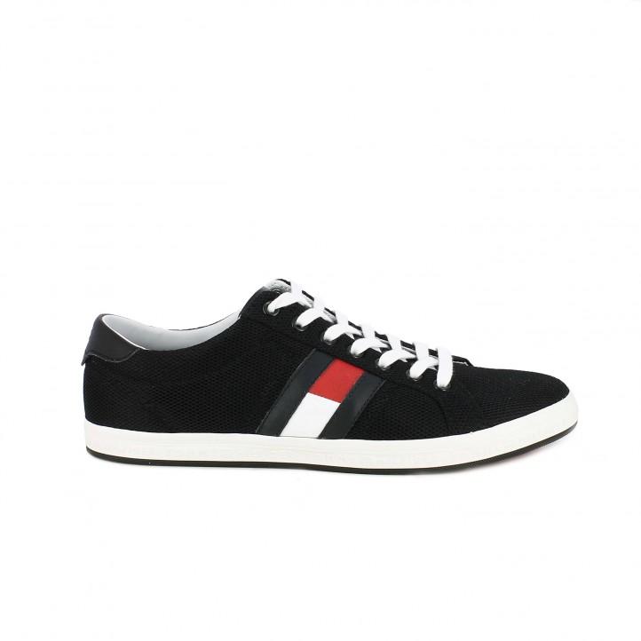 1e7eae9684e Zapatillas deportivas Tommy Hilfiger negras con bandera lateral - Querol  online ...