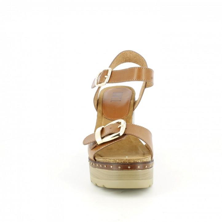 Sandàlies taló Owel marrons amb dues sivelles daurades - Querol online