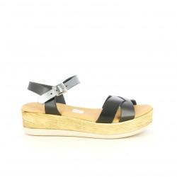 Sandàlies planes Suite009 negres amb plataforma, tires i sivella - Querol online