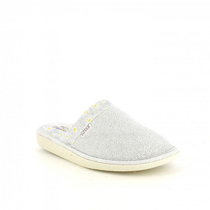 Zapatillas casa Vul·ladi grises con estampado de margaritas - Querol online
