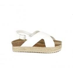 Sandalias planas Owel blancas con doble tira, hebilla y plataforma de esparto - Querol online