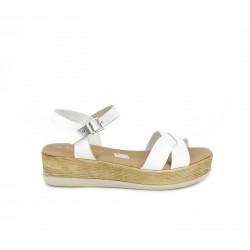 Sandalias planas Suite009 blancas con plataforma, tiras y hebilla - Querol online