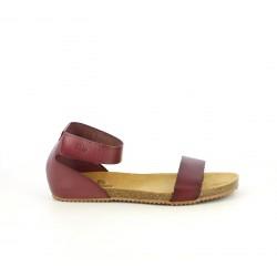 Sandalias planas Yokono rojas de piel con velcro en el tobillo - Querol online
