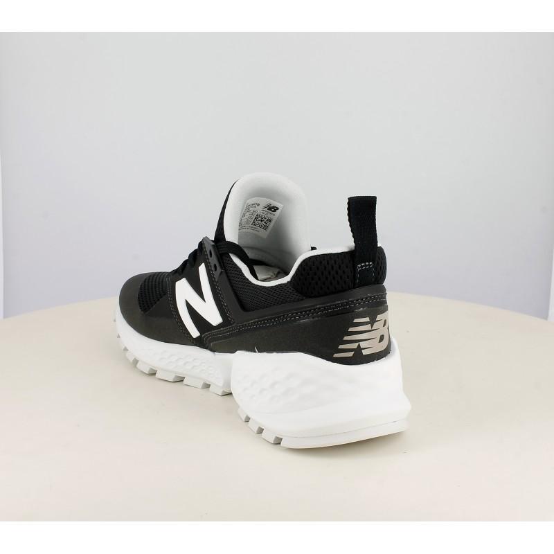 new balance blancas y negras