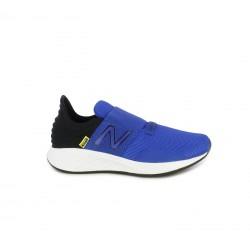 Sabatilles esport New Balance fresh foam roav blaves i negres