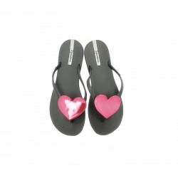 Chanclas Ipanema negras con corazon rosa metalizado - Querol online