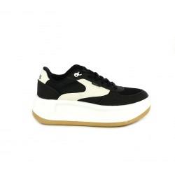 d23ace62 Zapatillas deportivas Mustang negras y blancas con cordones y plataforma -  Querol online