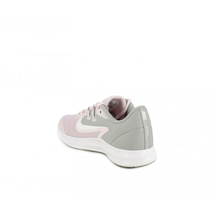 Zapatillas deporte Nike rosa y gris con suela flexible - Querol online