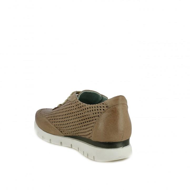 Zapatos planos Suite009 taupe con orificios y cordones - Querol online