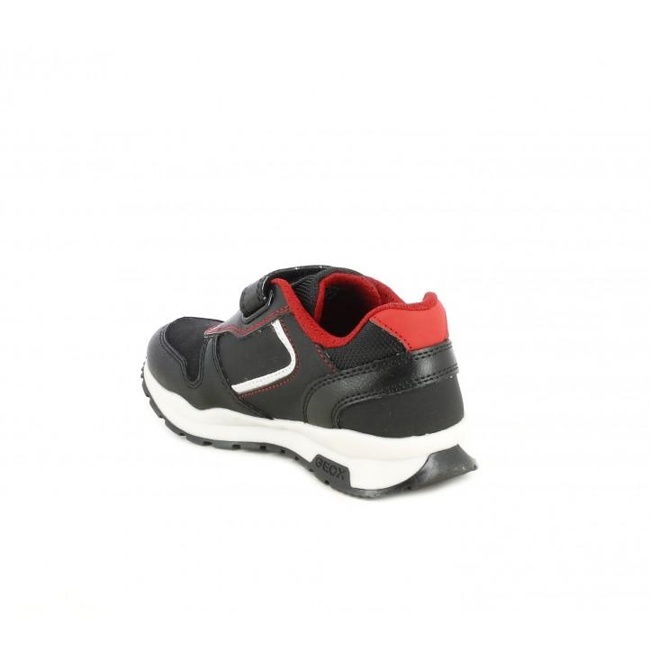 Zapatos Geox negros con detalles en rojo , velcro y elásticos - Querol online