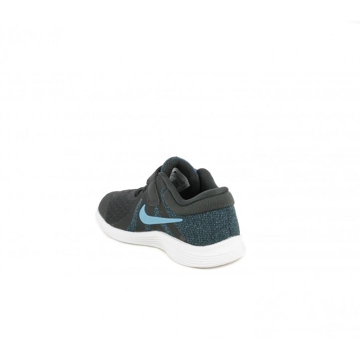 Sabatilles esport Nike negres amb tons blaus teixit de malla transpirable - Querol online