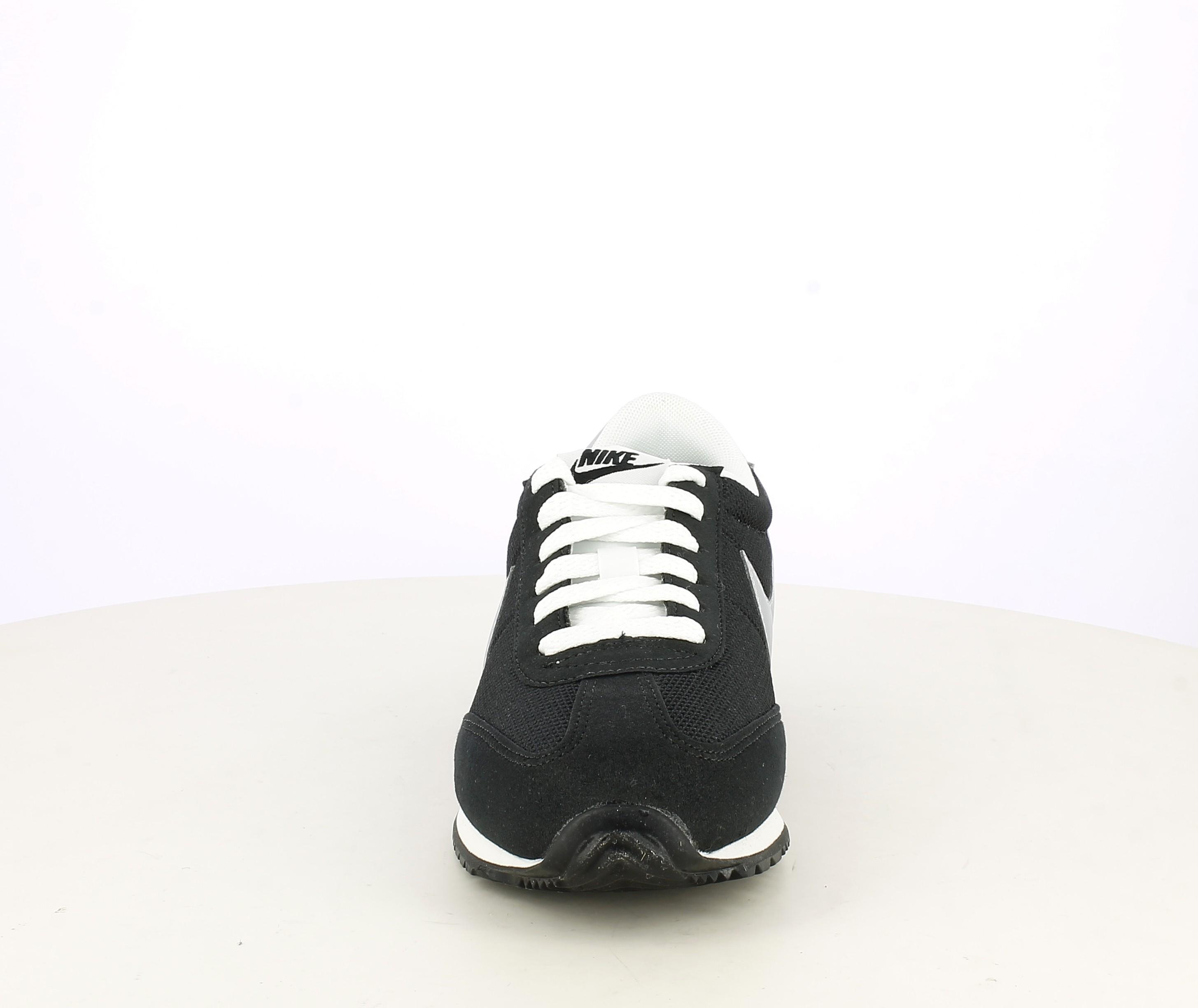 Alcalde Departamento pirámide  Zapatillas deportivas negras, blancas y plateadas con cordones Nike |  Querol online