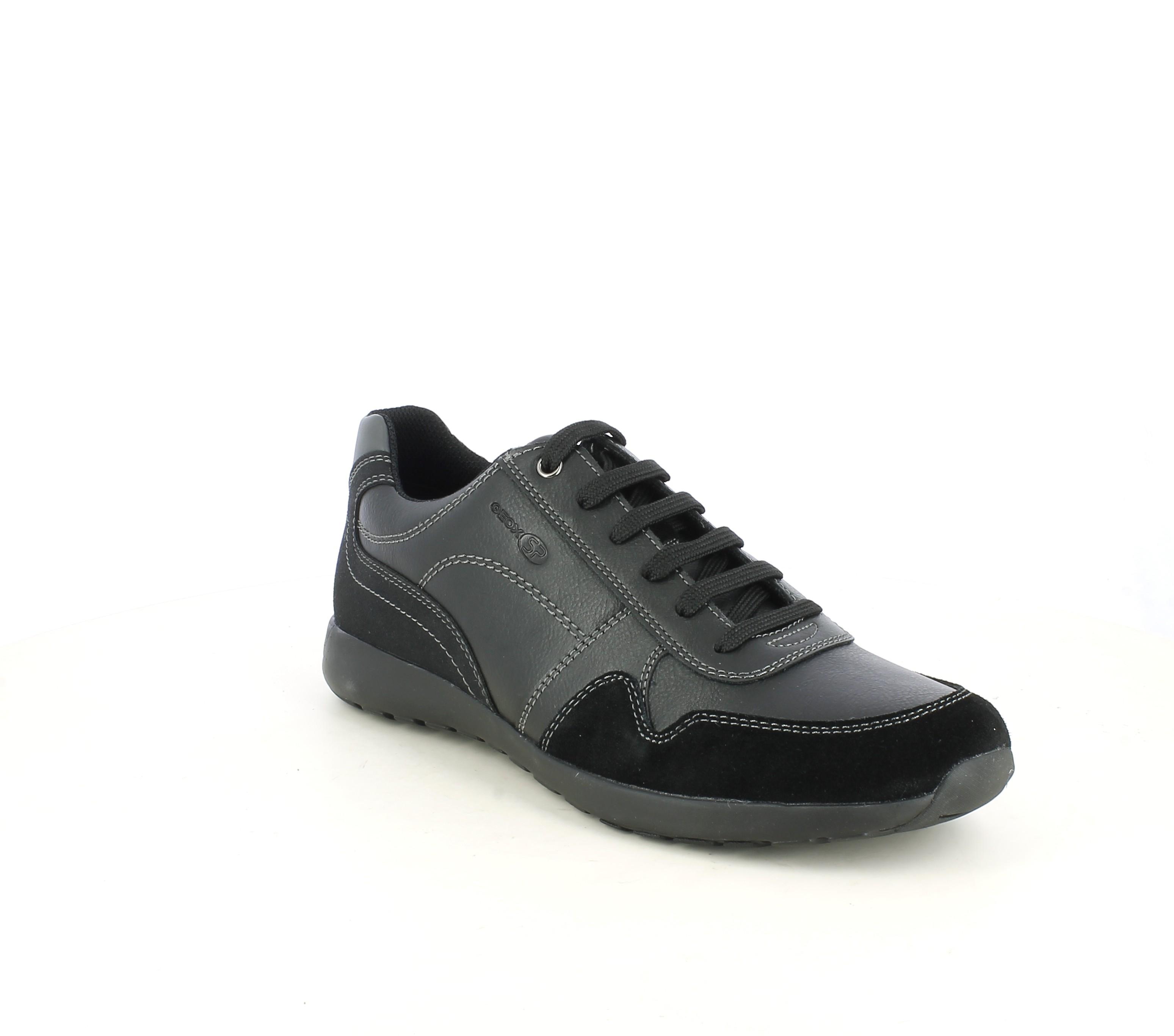 Cumplir pasta religión  Zapatos sport negros de cordones con detalle en ante Geox | Querol online