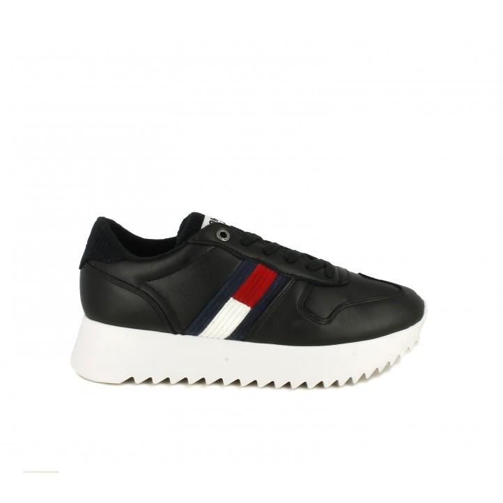 Zapatillas deportivas Tommy Hilfiger negras con detalles en azul y rojos, suela de 3,5 cm - Querol online