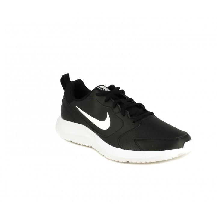 Zapatillas deportivas Nike BQ3198 negras con cordones y logo en blanco - Querol online