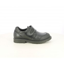 Zapatos Pablosky de piel negros cerrados con velcro