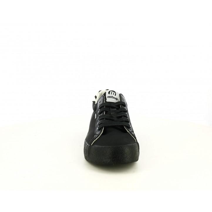 Zapatillas deportivas Mustang negras con cordones y detalles en cebra - Querol online