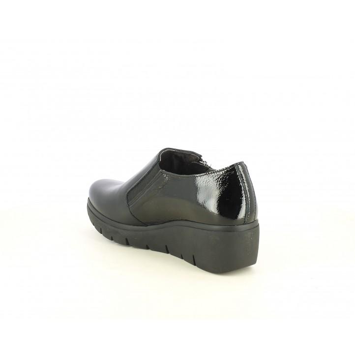 Cuñas Suite009 negros con cremallera y elástico con detalles en charol - Querol online