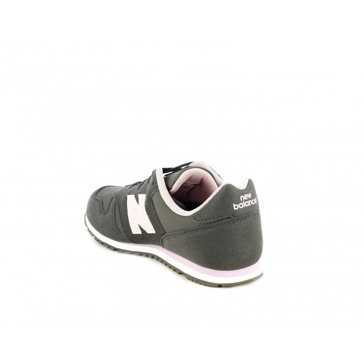 Zapatillas deportivas New Balance gris con detalles en rosa - Querol online