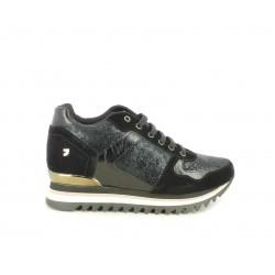 Zapatillas deportivas Gioseppo negras con cuña interior de 5cm
