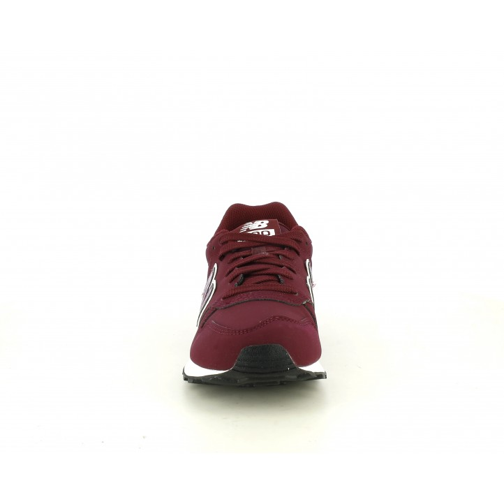Zapatillas deportivas New Balance burdeos con detalles brillantes al mismo tono - Querol online