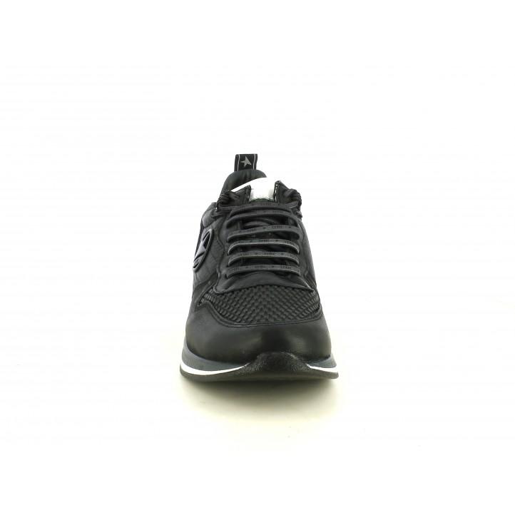 Zapatillas deportivas Cetti negros con cordones, elásticos y detalles blancos - Querol online